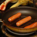 salsicha frigideira frita grelhada